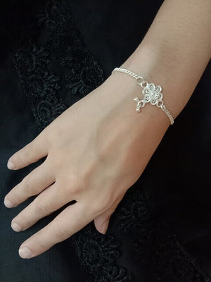 Load image into Gallery viewer, Phool Silver Bracelet