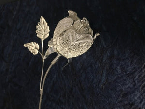 Load image into Gallery viewer, Silver Filigree Rose