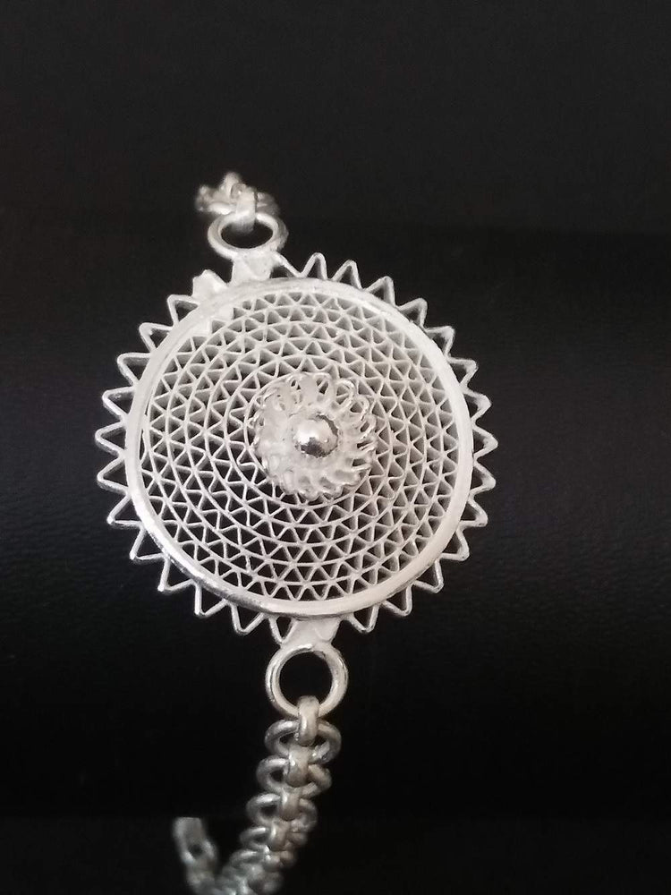 Load image into Gallery viewer, Silver Filigree Rakhi