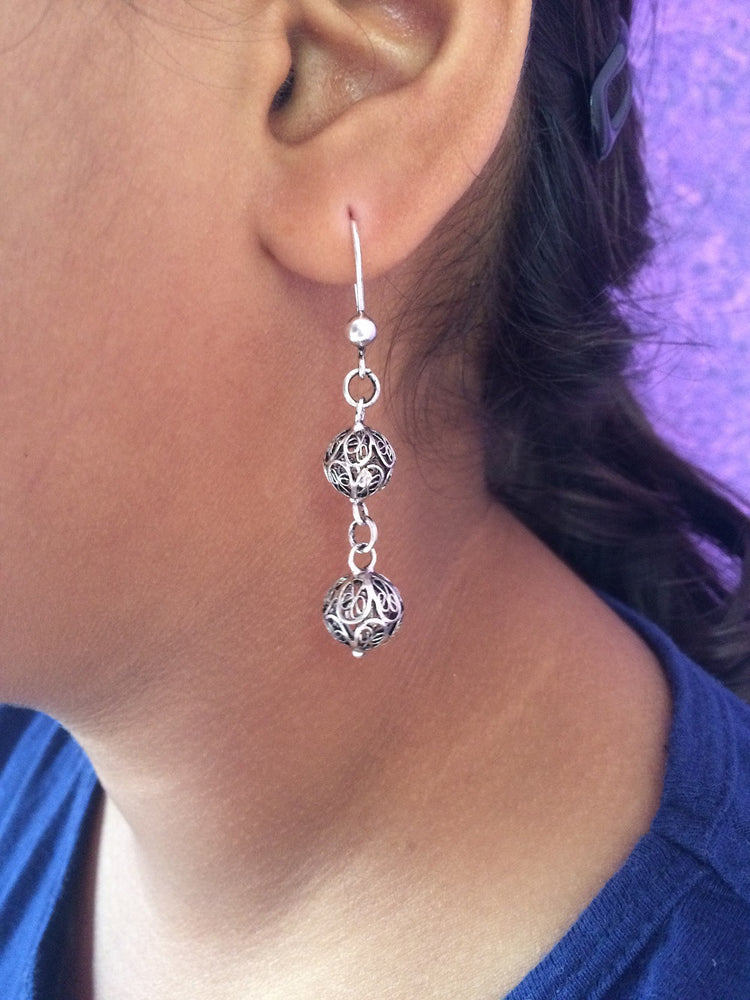 Oxidizes earrings