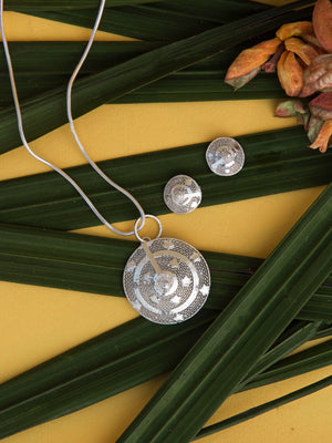 silver pendants for women online | Handmade with filigree art