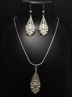 Load image into Gallery viewer, Silver Pendant set