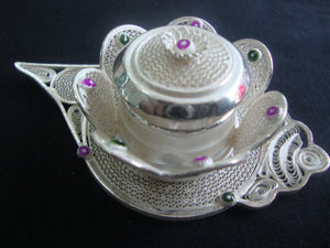Load image into Gallery viewer, Silver Filigree Sindoor Box