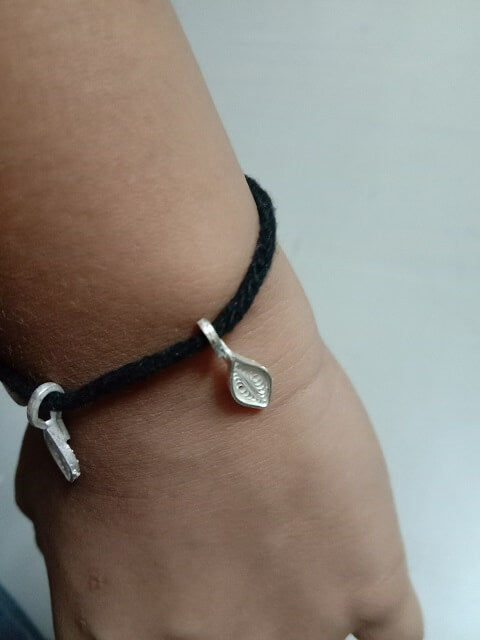 Black thread baby anklet