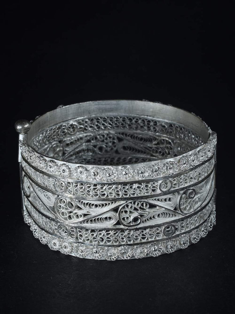 Load image into Gallery viewer, Silver Bangle