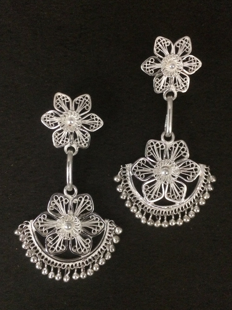 Traditional Dangles