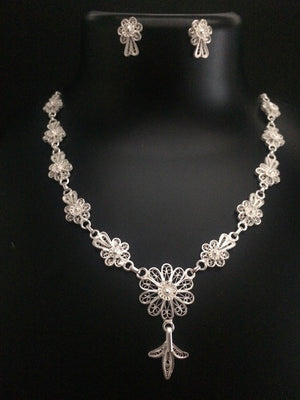 Silver Fligree Necklace