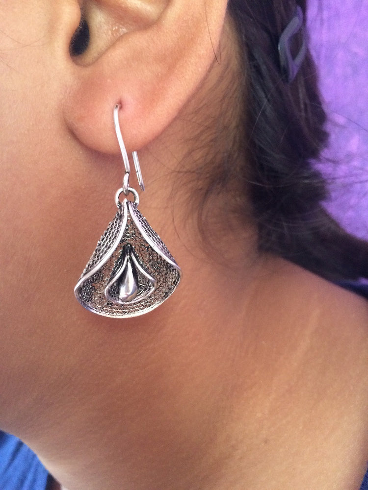Load image into Gallery viewer, Silver oxidised earrings