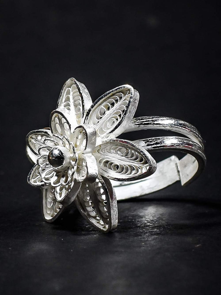 Blooming Ring
