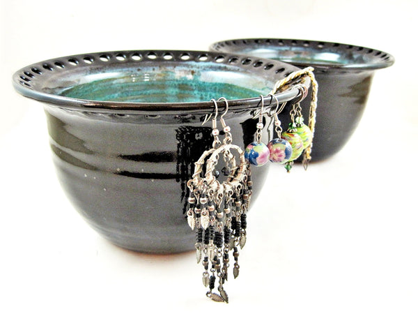 Black/Teal blue earring holder - In stock