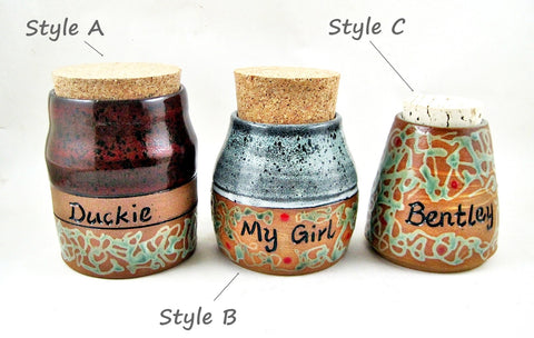 Pet Urn for Cremation Ashes - Size XS (or pre-cremation weight up to 5 lbs)