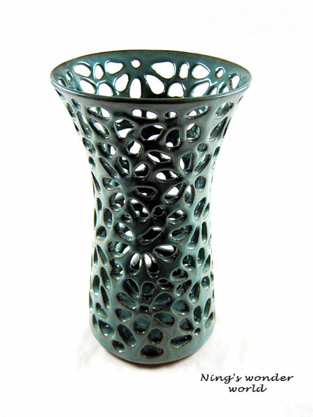 Hand carved lace vase - Ning's Pottery