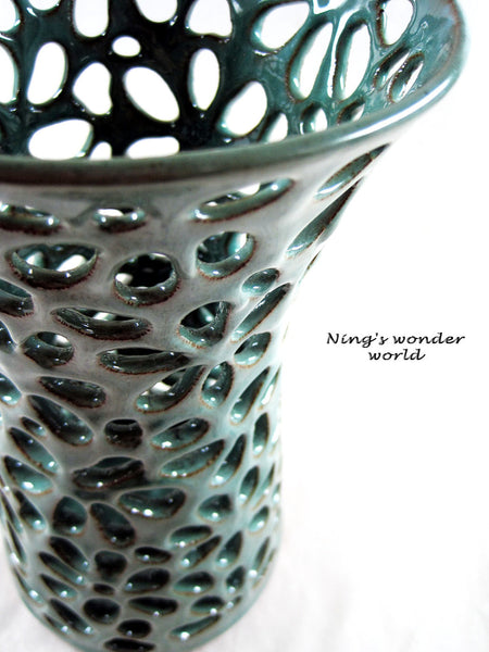 lace vase by ning's pottery