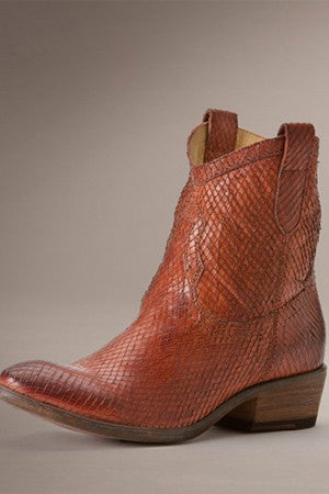 Carson Shortie Textured Boot