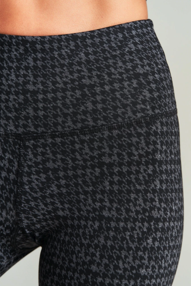 High Rise Houndstooth Legging