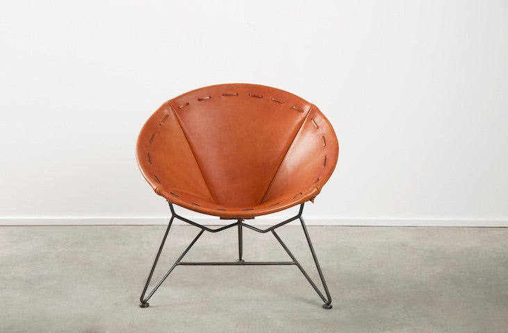 Nice Saddle Leather Round Chair
