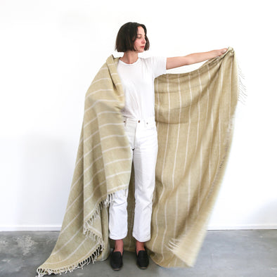 Linen Wide Stripe Throw