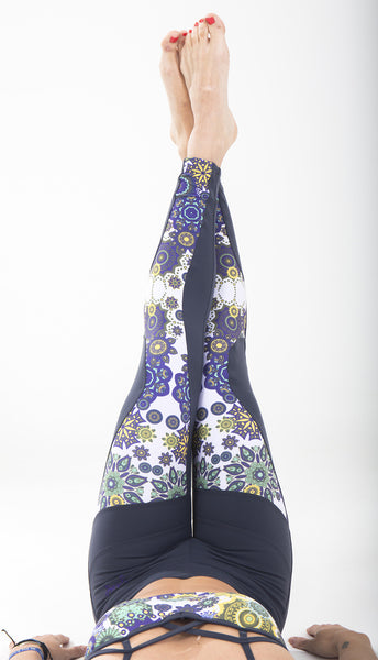 The best leggings for Yoga or Workout, with amazing mandalas printed, by Free Flying Fish. Yoga Clothes, Printed Leggings, Print Leggings, Yoga Pants, Yoga for Women, Active Clothing, Women Workout, Workout for Women, Fly Wear, Best Leggings, activewear