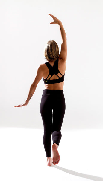 The best leggings for Yoga or Workout, with a secret pocket, design for Free Flying Fish. Yoga Clothes, Black Leggings, Yoga Pants, Yoga for Women, Active Clothing, Women Workout, Workout for Women, Free Flying Fish, Fly Wear, best leggings, activewear