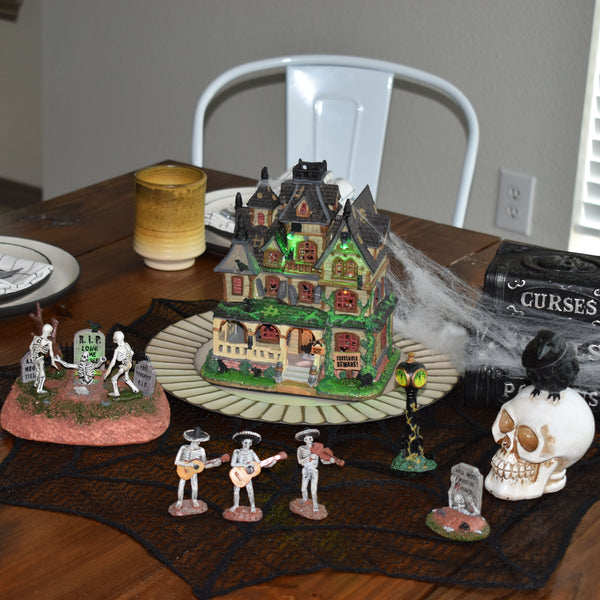 How to Set up a Lemax Halloween Display in even the Tiniest of Spaces