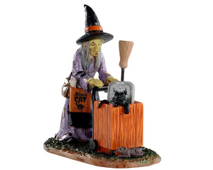 Lemax 02911 Shopping For Halloween, Figurine- Gift Spice