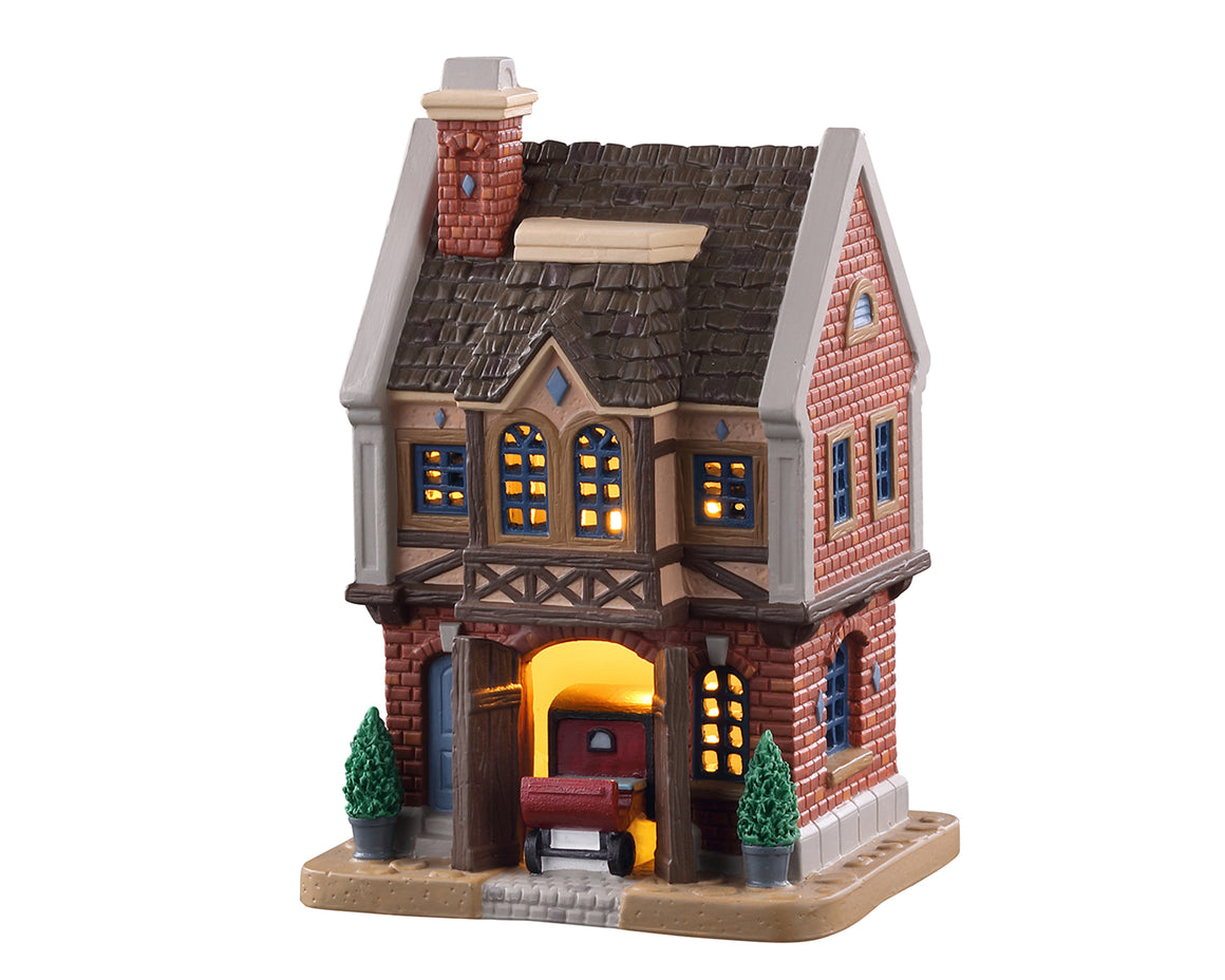 Lemax 05667 Ainsworth Coach House, Standard Lighted Building- Gift Spice