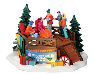 Lemax 34632 Snowshoe Social, Table Piece- Gift Spice