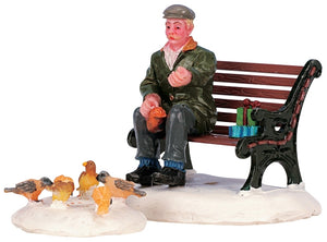 Lemax 42905 Feeding Pigeons, Figurine- Gift Spice
