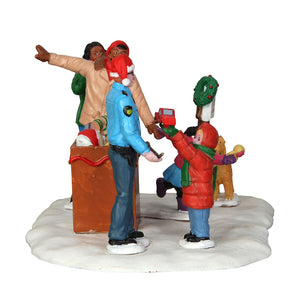 Lemax 43075 Toy Drive, Table Piece- Gift Spice