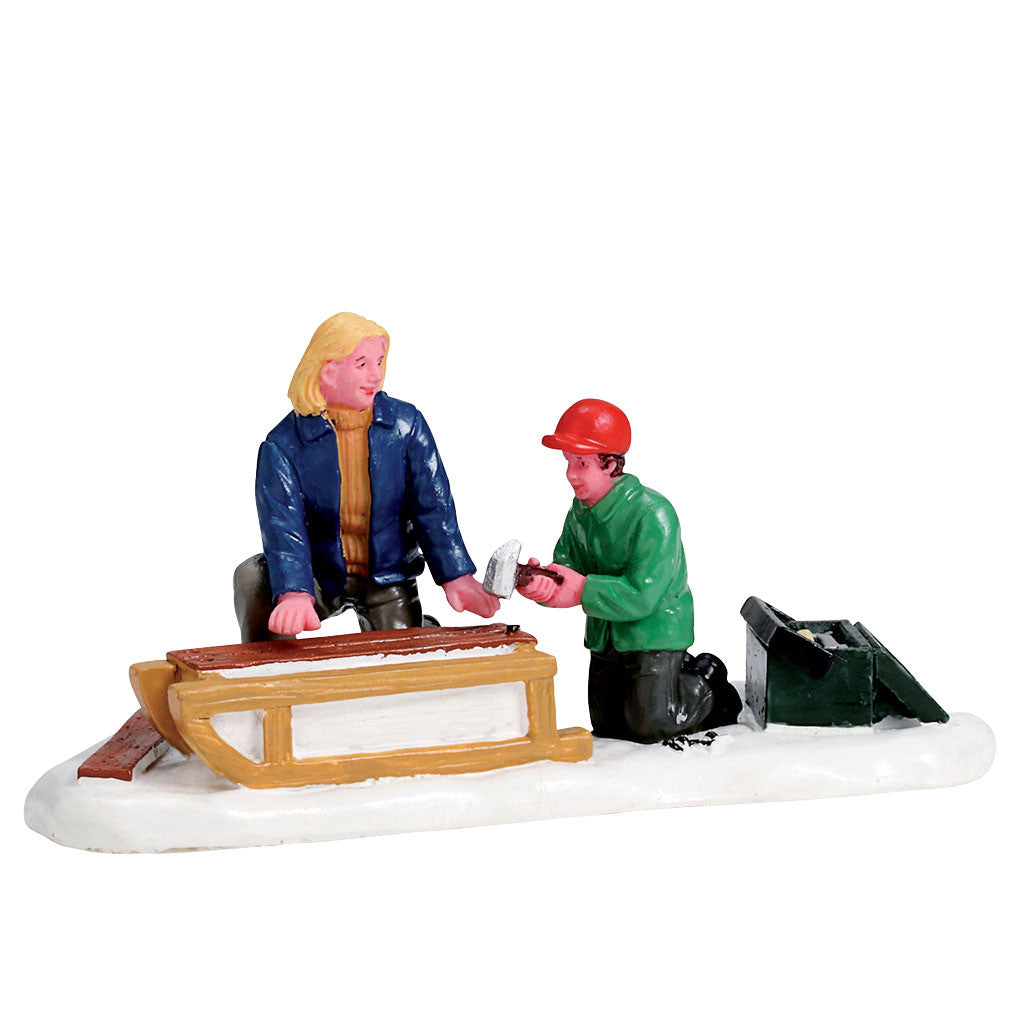 Lemax 72508 Building a Sled, Figurine- Gift Spice