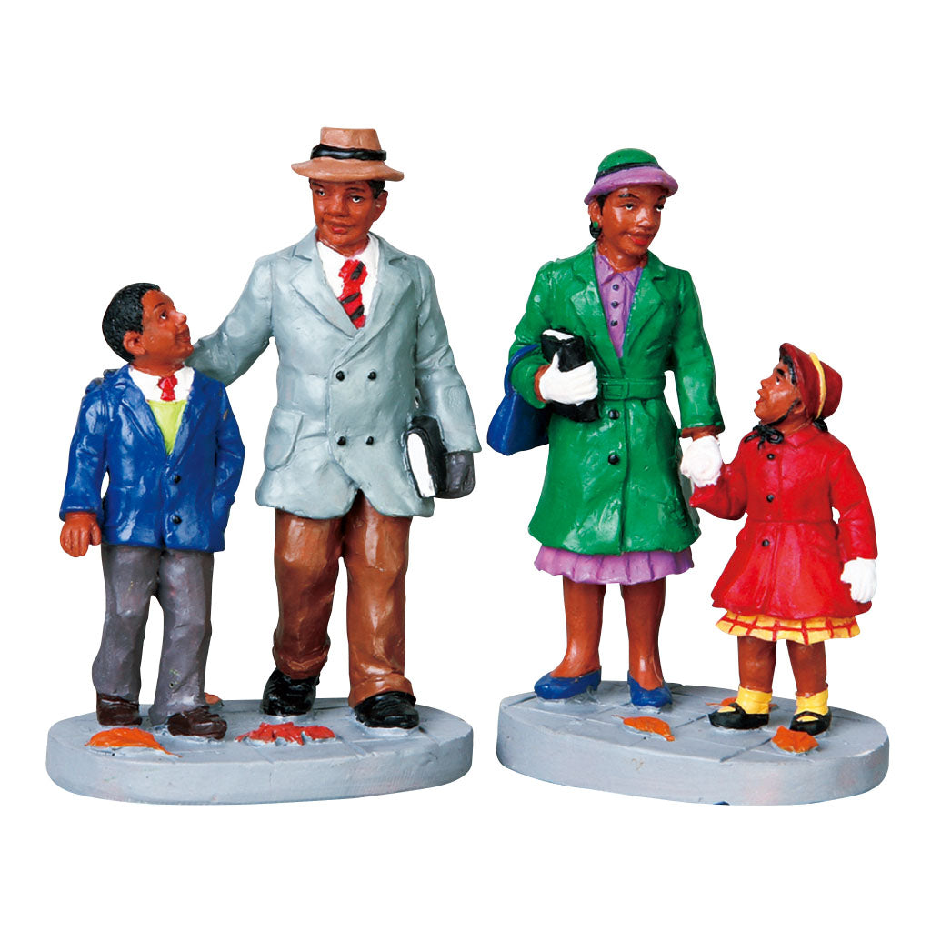 Lemax 92648 Going To Church Set Of 2, Figurine- Gift Spice