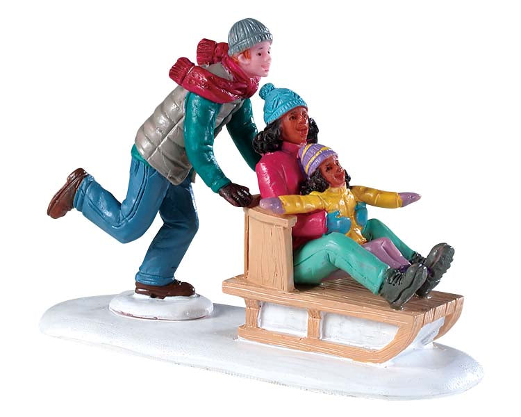 Lemax 92755 Family Snow Day, Figurine- Gift Spice