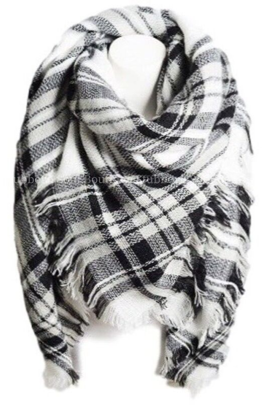 Cozy Feeling Blanket Scarf Black & White Plaid