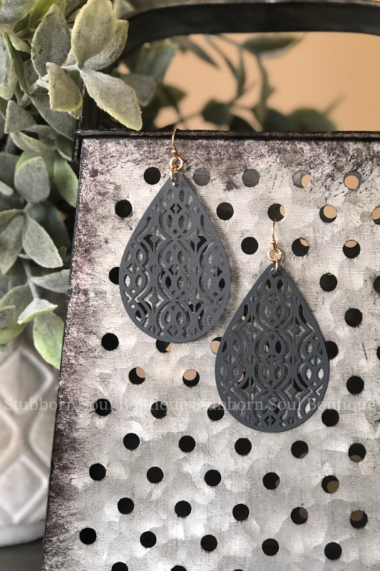 Metal Filigree Teardrop Earrings in Grey
