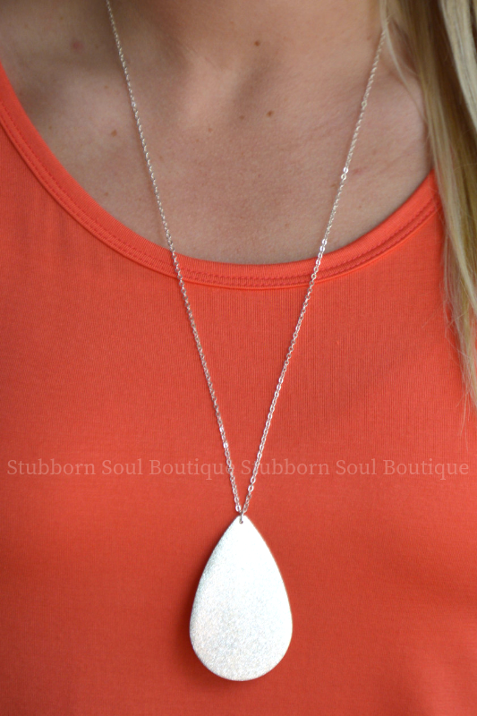 Metal Teardrop Necklace - Silver