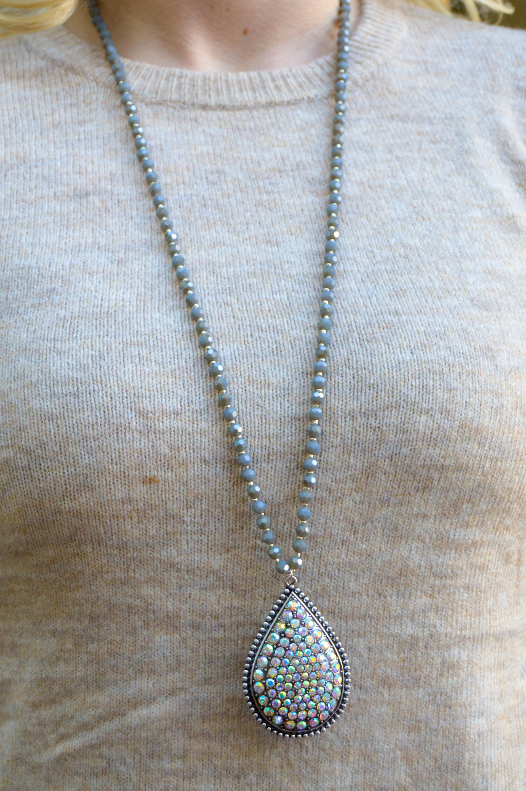 Silver Arabesque Pendant Tassel Necklace