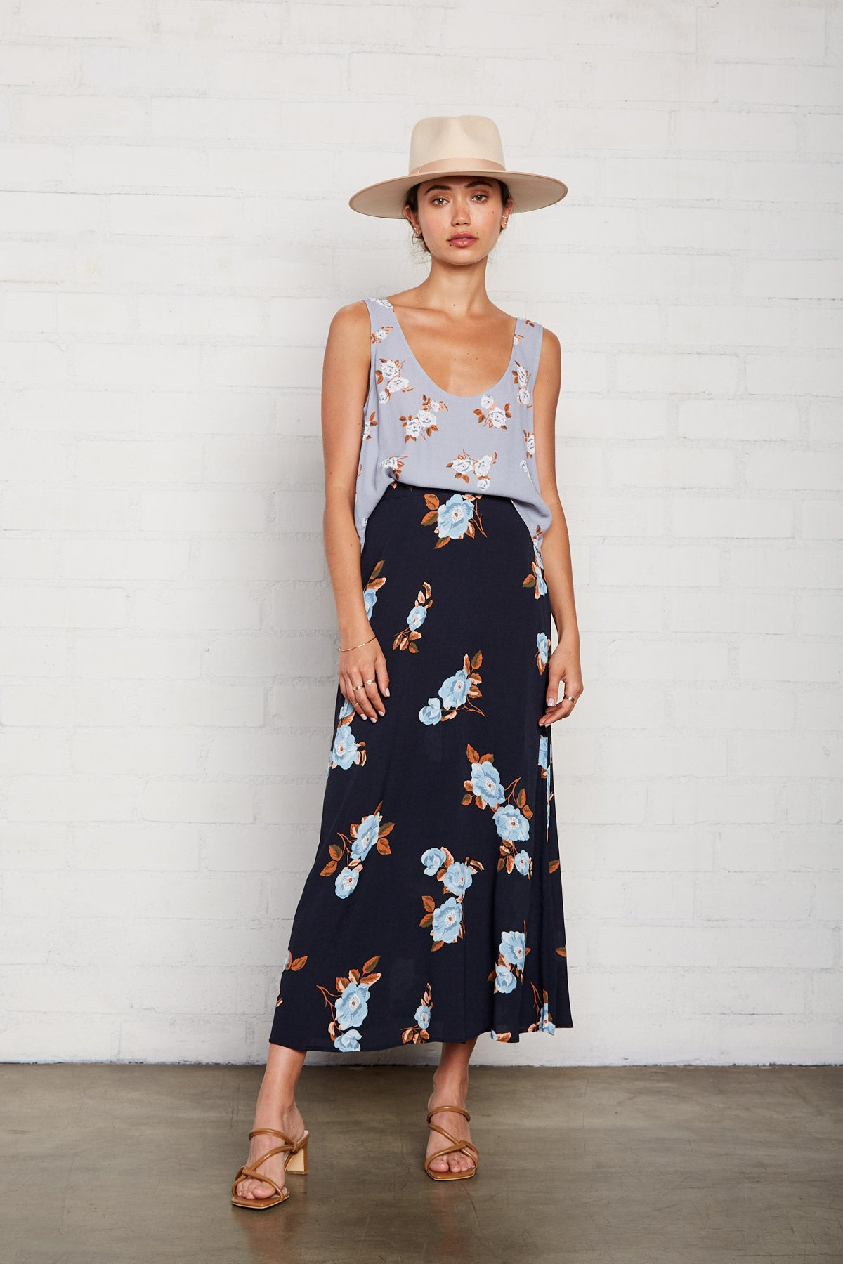 Crepe Midi Skirt - Black Flower