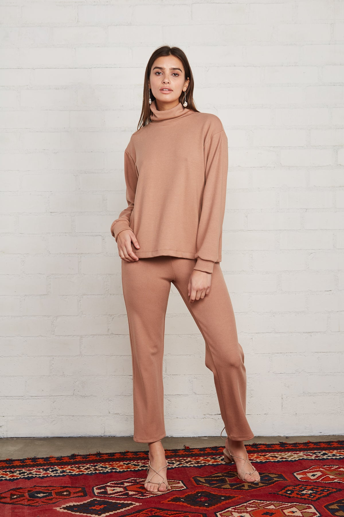 Luxe Rib Turtleneck Sweatshirt - Latte