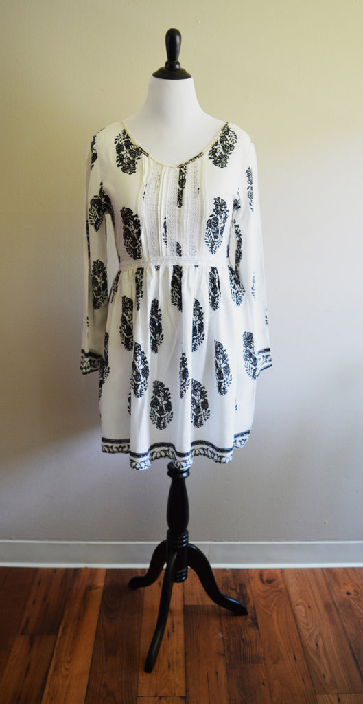 Black & White Music Festival Dress Top with Gold Trim - Plus Fashion Up to Size 32