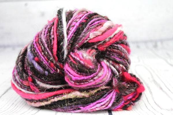 Pokeberry moonbeam - Handspun yarn