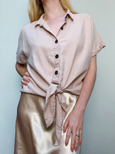 Load image into Gallery viewer, BLUSH LINEN BLOUSE