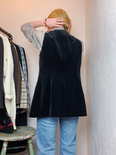 Load image into Gallery viewer, VINTAGE COTTON VELVET VEST