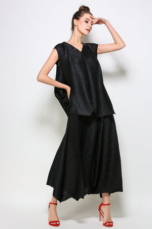 Diagonal Pleated Blouse