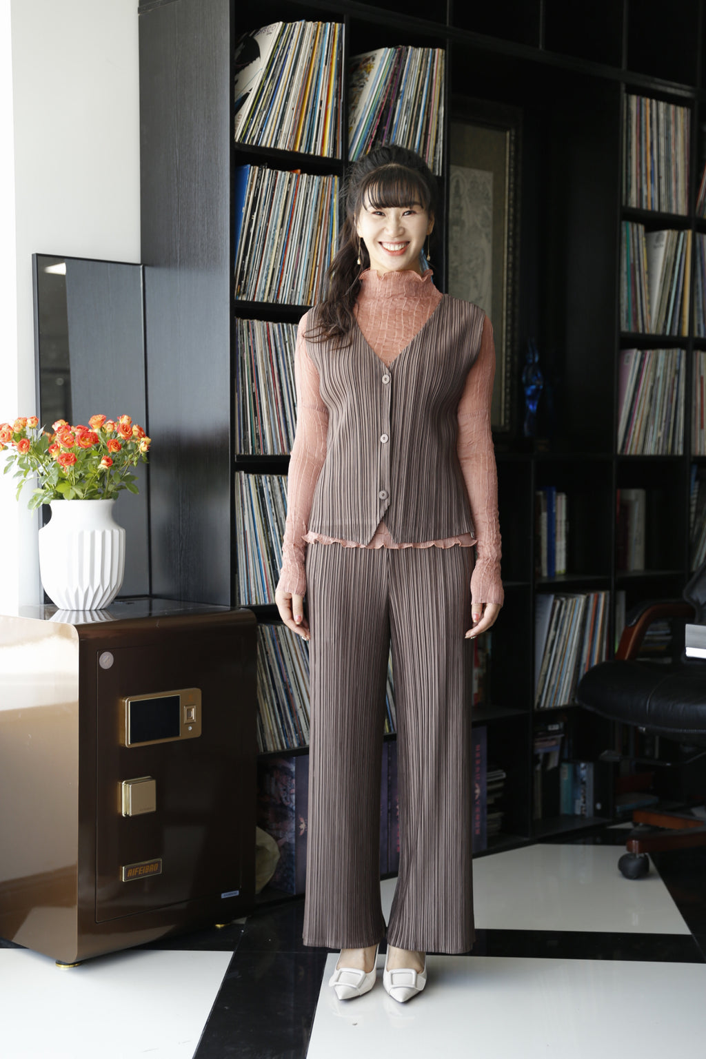 Pleated three-button vest top