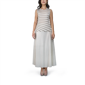 Pleated spiral-pattern sleeveless top