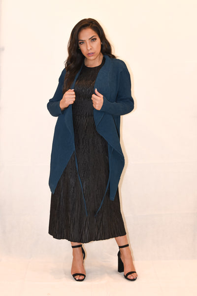 Coat with tie strings