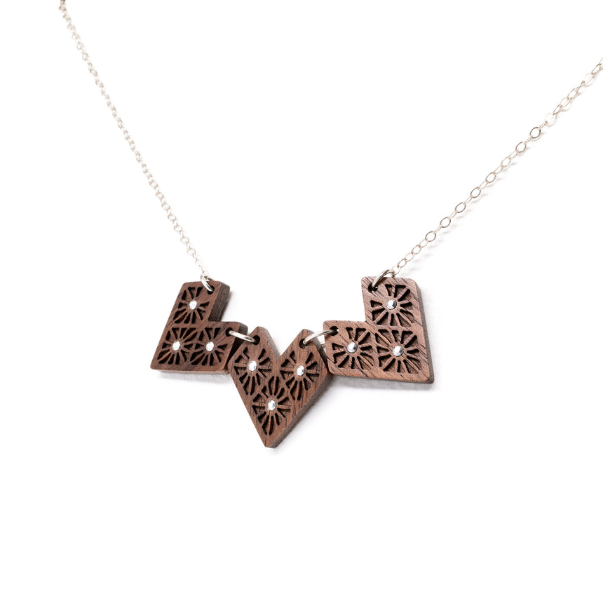 Lattice Heart Necklace [Walnut]