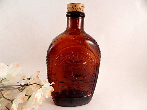 Brown Glass Bottle Log Cabin Syrup Carafe Advertising Memorabilia Vintage 1976 Bi Centennnial Liberty Bell Flask Americana Collectible