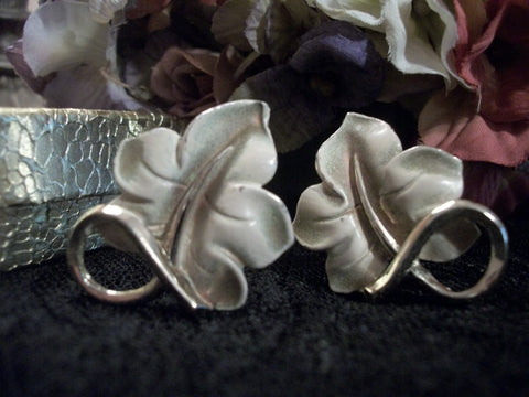 Clip-On Earrings Ivy Leaf Enameled Green Over Silver Metal Leaves Vintage 1950's Fall Jewelry