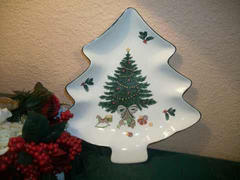 Christmas Tableware Vintage Mikasa Serving Platter White Ceramic Dish Christmas Tree Shape Heritage Design Festive Winter Holiday Home Decor